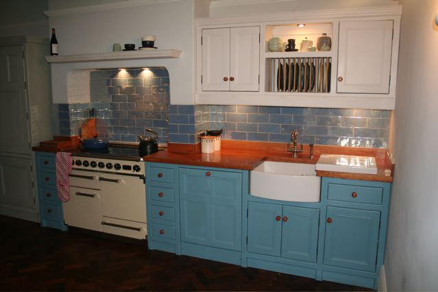 Ilkley kitchen cream and blue kitchen units with belfast for Cream kitchen base units